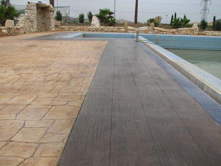 Solera hormigon impreso hormig n impreso tibi pavimentos for Hormigon impreso para piscinas
